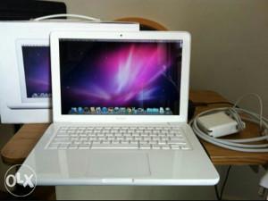 Apple macbook A1342 DIJELOVI (hdd punjac displej...)