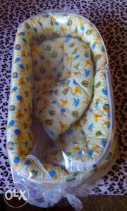 Za bebu nosiljka dve plava i zuta