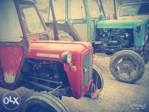 Traktorii