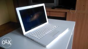 Apple Macbook White - 08 Core2duo 2.1 GHz