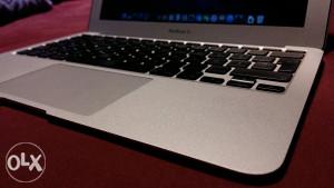"Apple Macbook air 11"" (late 2010)"