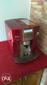 Kafe aparat DeLonghi