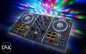 Numark Party Mix DJ kontroler sa light show