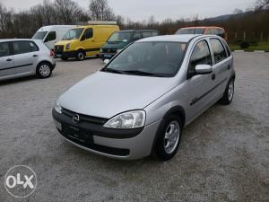 Opel corsa benzin 1.0 **klima**