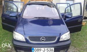 Opel  Zafira 2,0 moze i zamjena za manje auto