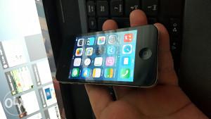 Iphone 4..sim free...tip-top stanje