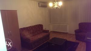 Izdajem stan strogi centar grada Banja Luka BL
