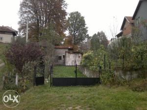 Plac sa vikend objektima u Dobošnici (Lukavac)