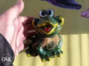 Keramička figura žabac