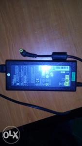 Original adapter / punjac Fujitsu Siemens 20V 4.5A 90W