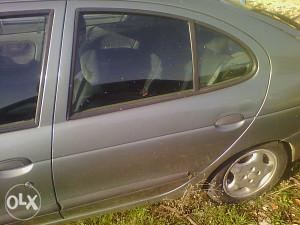 Renault Megane 94/00 - Vrata , Podizac