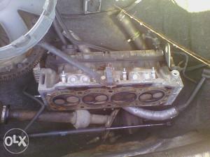 Renault Laguna 1.8 B  - Glava motora