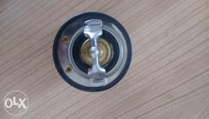 Isuzu 4HK1 6HK1 termostat (8973007872)