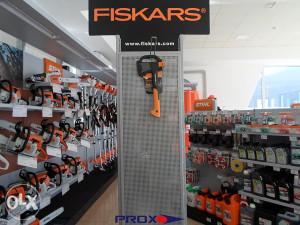 FISKARS SJEKIRA X7 -> PROX.olx.BA