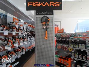 FISKARS SJEKIRA X10 -> PROX.olx.BA