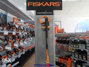 FISKARS SJEKIRA X27 -> PROX.olx.BA