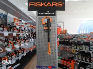 FISKARS SJEKIRA X21 -> PROX.olx.BA