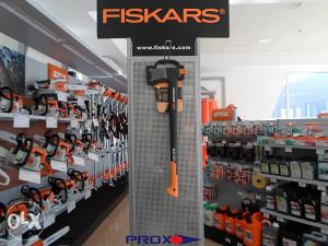 FISKARS SJEKIRA X25 -> PROX.olx.BA