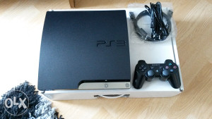 PS3 Playstation 3 160GB(ČIPOVAN)+ 20 igara Fifa19,pes18