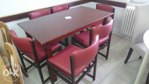 Stol i 6 stolica crvene