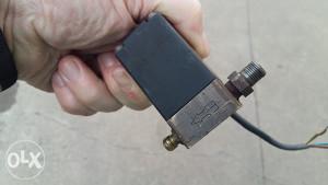 elektromagnetni ventil 220v