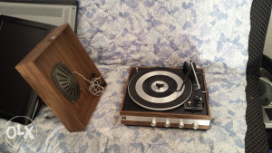 gramofon sa zvucnicima