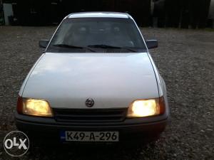 Opel kadet suza