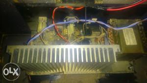 Pojacala iz aktivnih kutija FBT 250 W rms 8 ohm.