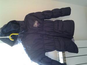 Dijecija zimska jakna velicina xs za 6,7 godina