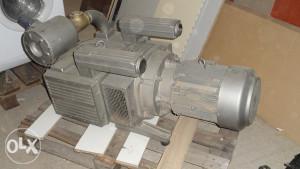 Vakuum pumpa polovna