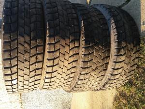 Gume za kamion zimske 17.50 jednu godinu koristene