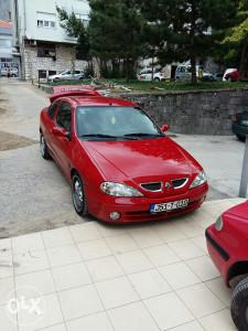 Renault coupe extra stanje bez mane tek registovan
