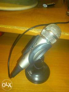 Prodajem Nov Mikrofon