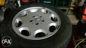 Aluminijske felge s gumama