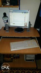 Rčunar i radni stol