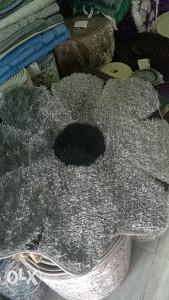 Tepiscic cvijet 0.80x0.80=40 KM besplatna dostava