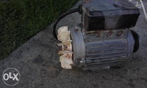 Elektro motor 1.1 kw ispravan