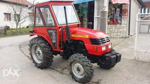 Traktor Dong Feng