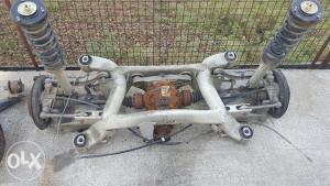 Bmw e39 komplet zadnji trap moze i dijelovi