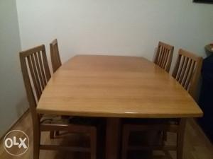 Trpezarijski stol   4 stolice