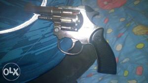 Startni pistolj 6 mm,model 991