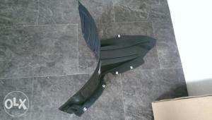 Pvc plastika drzac za zastitu motora passat b6
