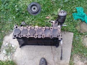 blok motora e34 2.5 24v  i usisna grana