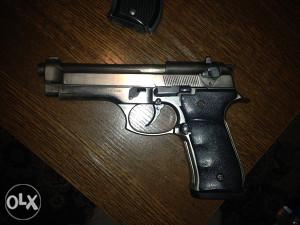 Gasni pistolj 9mm