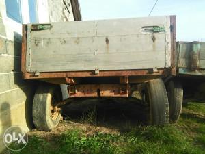 Traktorska prikolica