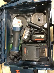 BOSCH GWS 18 V-LI Aku Brusilica 2 x 4Ah baterije