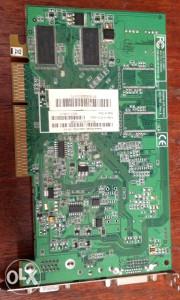 Graficka kartica Radeon 9600 se 128ddr