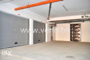 Garaža površine 17, 18 i 29 m2, SPO Slavinovići, Tuzla