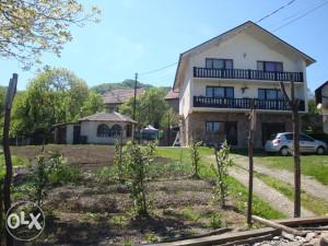 Kuća u Zenici, PODBRJEŽJE