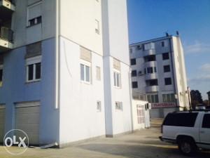 Trosoban stan 81 m2 - prodaja